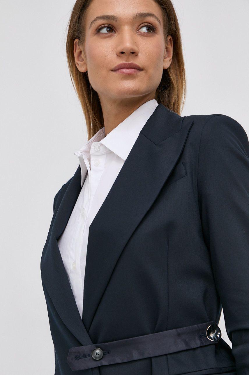 Liviana Conti - Sacou
