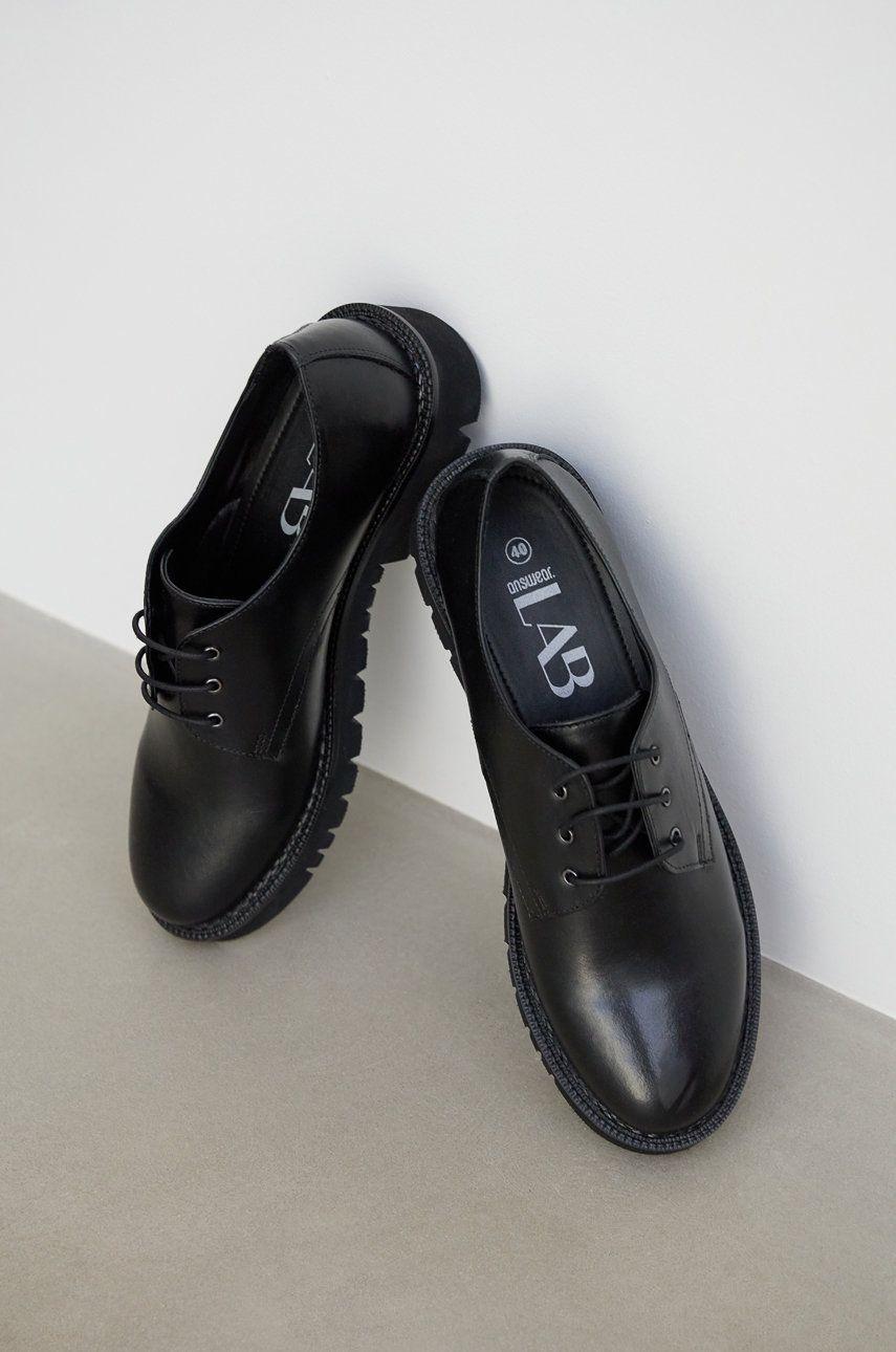 Pantofi de piele answear.LAB x colectia limitata GIRL POWER